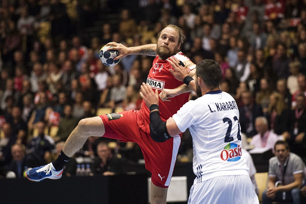 PfadiWinterthur_EHF_Henrik Møllgaard_vs_Luca Karabatic