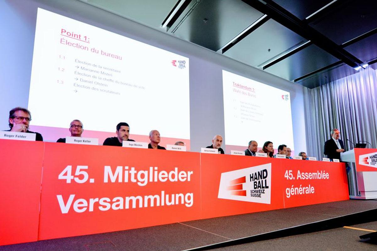 SHV_Mitgliederversammlung-2019-in-Olten_Podest